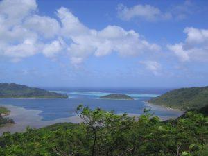 ファヒネ島のラグーン