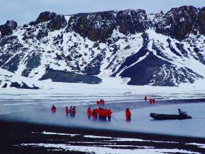 南極大陸にも温泉が湧いていた